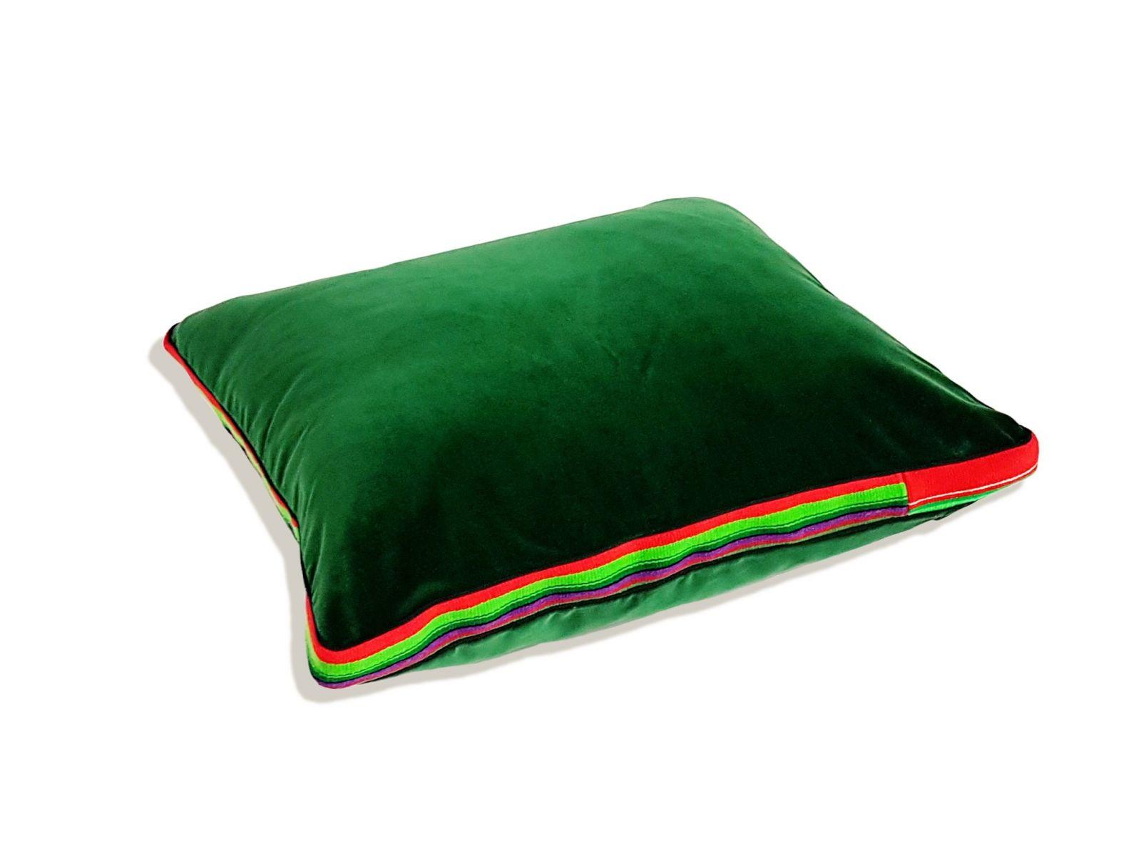 Zielona aksamitna poduszka folk glamour