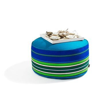 Niebieska wełniana pufa